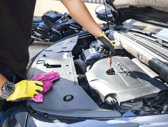Mobile-Mechanic-Carmichael-fluid-check